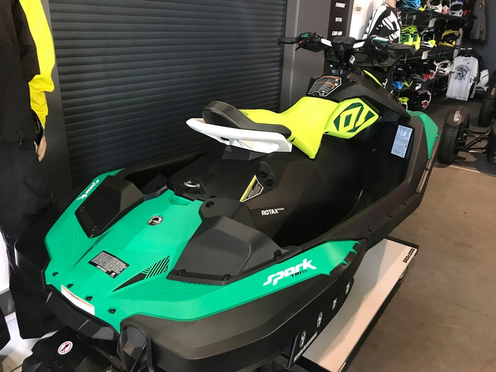 SEADOO SPARK TRIXX 2UP